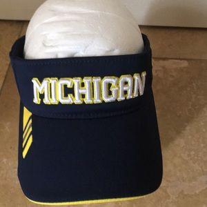 NEW ADIDAS University of Michigan visor